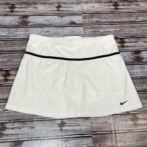 Nike White Tennis Skirt / Skort Size Medium